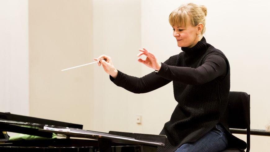 Susanna Mälkki en répétition