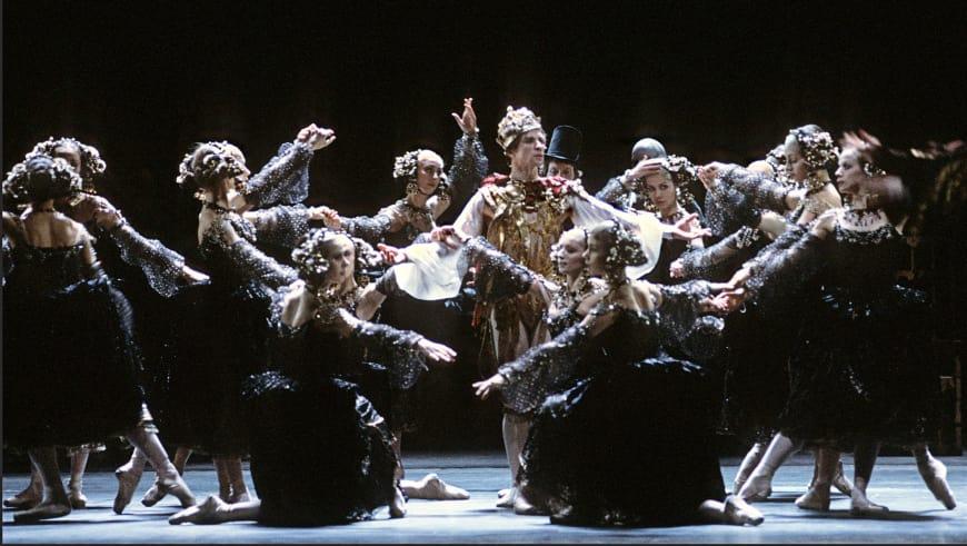 La Tempête dans la chorégraphie de Rudolf Noureev (Rudolf Noureev au centre dans le rôle de Prospero), Palais Garnier, 1984