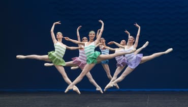 Robbins / Balanchine / Cherkaoui, Jalet