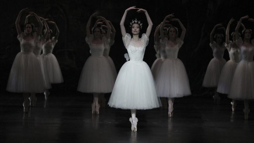 Hannah O'Neill dans le rôle de Myrtha (Giselle, 2016)