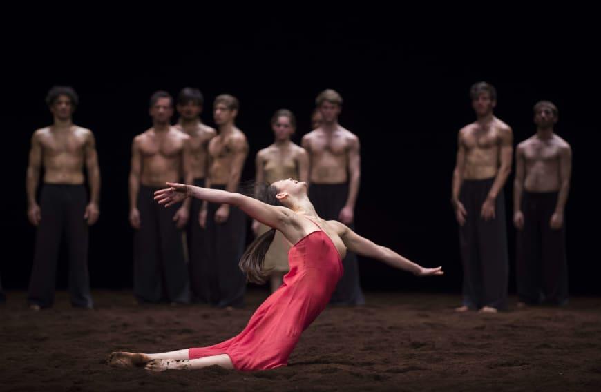 Alice Renavand dans le rôle de l'Élue, Opéra de Paris, 2015