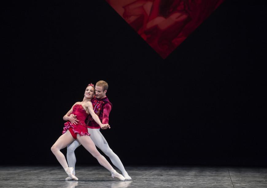 Valentine Colasante et François Alu dans Rubis (Joyaux) de George Balanchine, Opéra de Paris, 2017