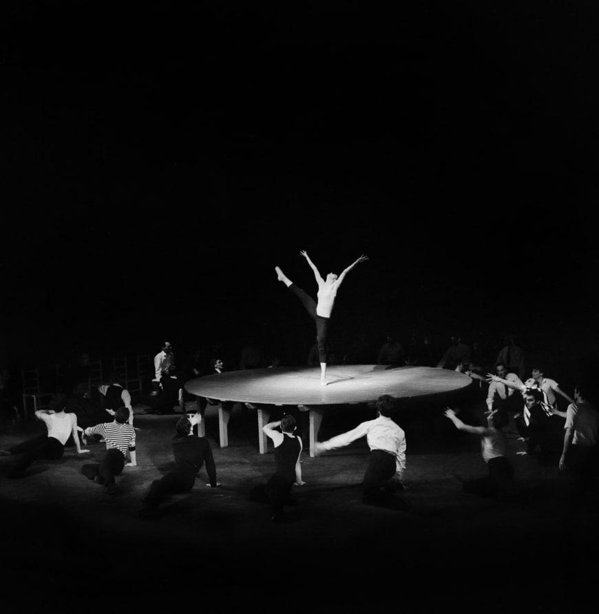 Duska Sifnios, lors de la création de Boléro en mai 1961, Théâtre des Nations