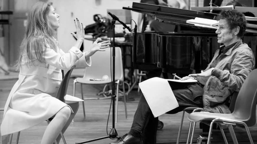 Barbara Hannigan et Krzysztof Warlikowski lors des répétitions de La Voix humaine