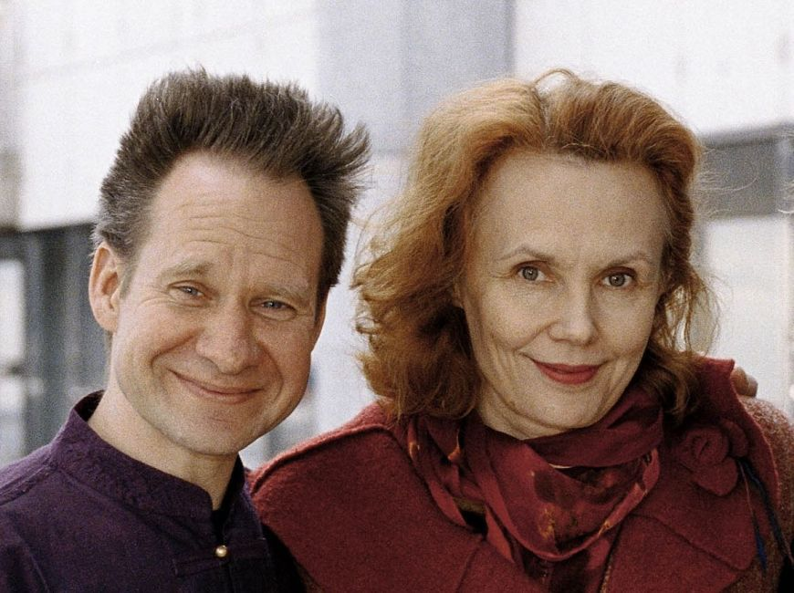 Peter Sellars et Kaija Saariaho lors de la création d'Adriana Mater à l'Opéra de Paris, 2006
