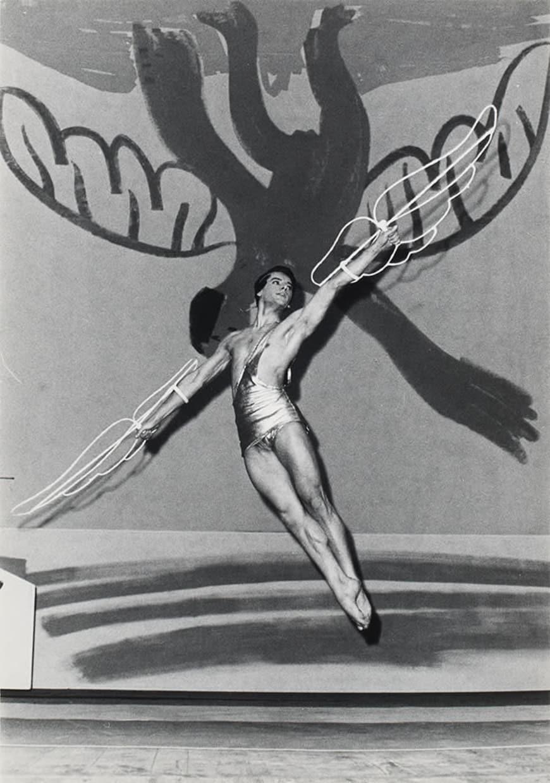 Attilio Labis dans le rôle-titre d'IcarePalais Garnier, Paris, 1962BnF, Bibliothèque-musée de l'Opéra