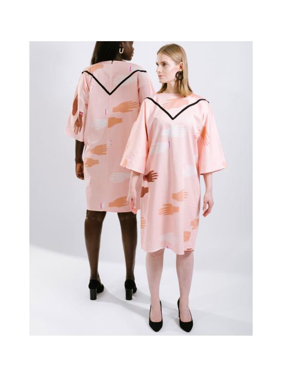Naisten kimono-mekko, Hug