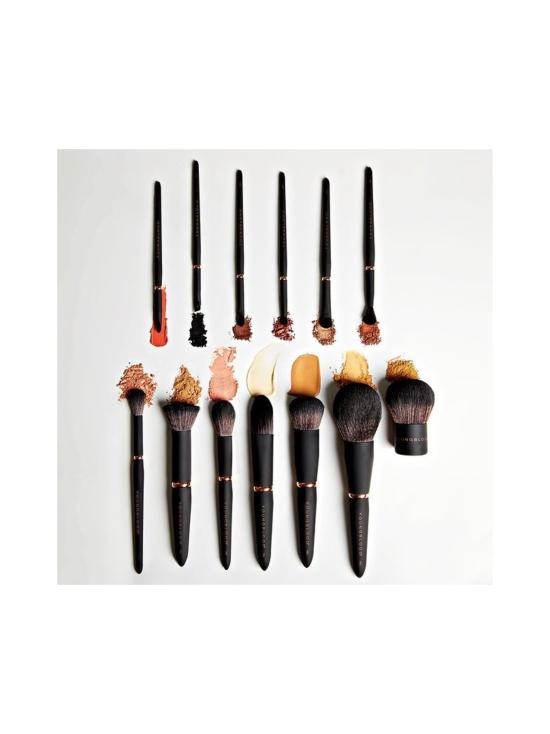 Youngblood - Luxe Powder Buffing Brush -tiivis meikkivoidesivellin 1kpl   Stockmann - photo 3
