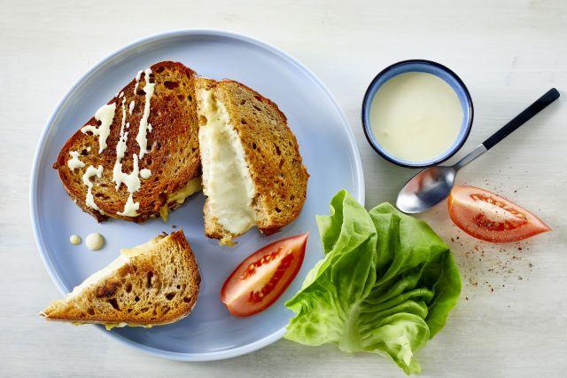 Toast med sennepskrem