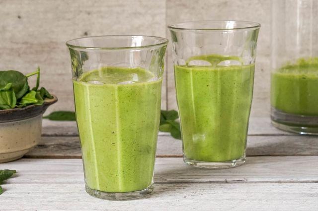 Proteindrikk med spinat og eple
