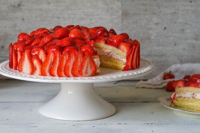 Bløtkake med jordbær