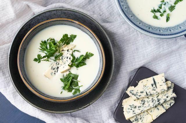 Blomkålsuppe med blåmuggost