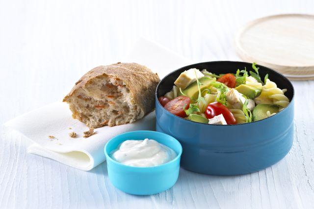 Kylling- og pastasalat i boks