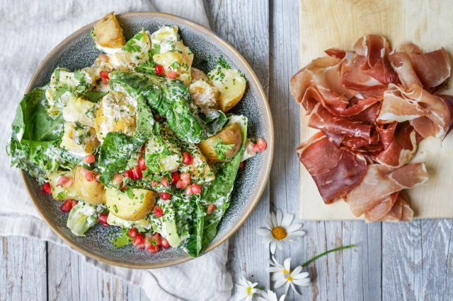 potetsalat med granateple og hjertesalat
