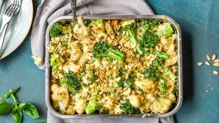 pastagrateng med pesto og brokkoli