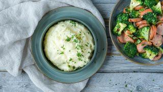 potetstappe med hvitløk