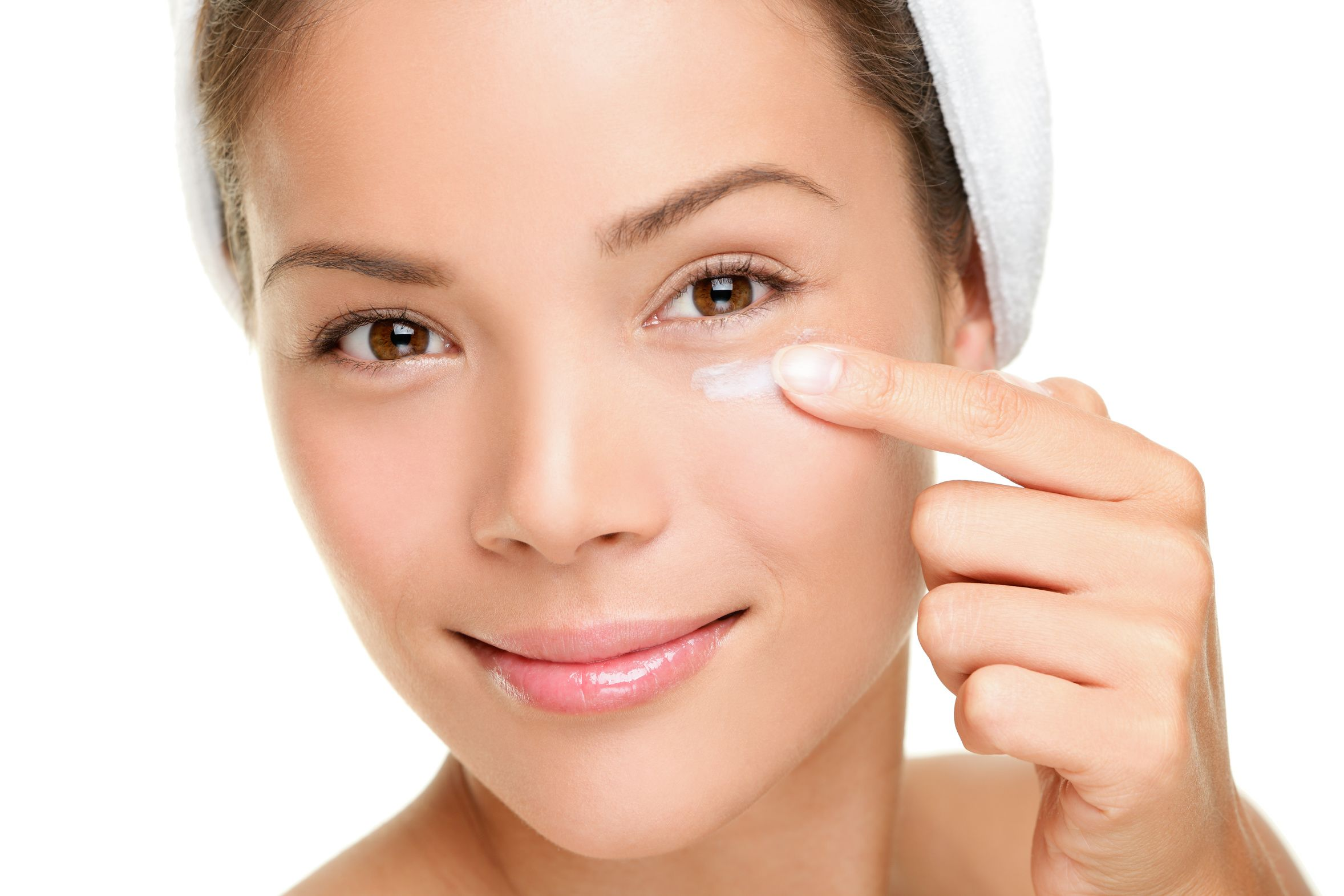5 Best & Natural Home Remedies to Remove Dark Circles ...