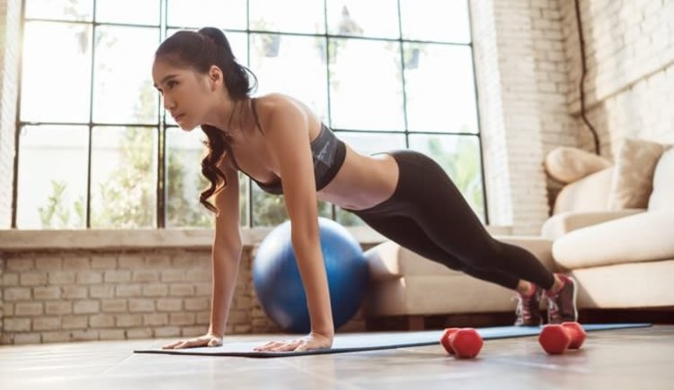 Benefits of Joining a Gym vs. Exercising from Home
