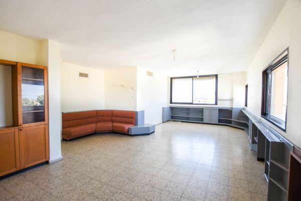 מפואר דירת 5 חדרים להשכרה בהרצליה הירוקה YY-68