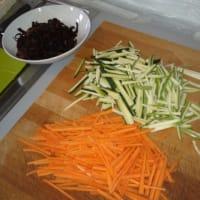 Spaghetti di soia con verdure ricetta di yen step 2