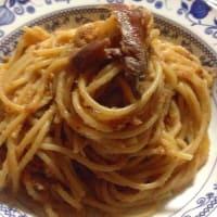Espaguetis con anchoas y pan rallado