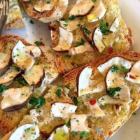 Tuscan crostini with mushrooms