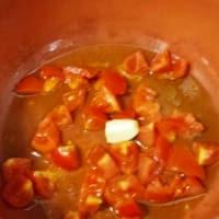 Plumas col tomates y almendras paso 1