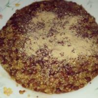 La quinua con lentejas, la cúrcuma y la levadura nutricional