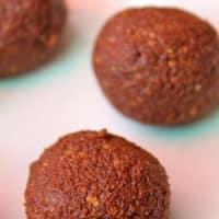 Cannoli crudisti alla nocciola e cioccolato step 4
