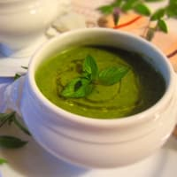 Cream with vegetables and mint leaves