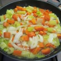 Crema de zanahoria, yogur griego y azafrán paso 2