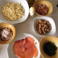 Trofie caseras de salmón con camarones y nueces paso 1