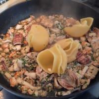 Lumaconi la salsa de pescado paso 7