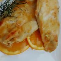 Petto di pollo su crema di arancia