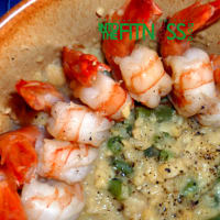 Cream of chickpeas with prawns and green beans