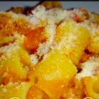 Rigatoni with pumpkin and cheese