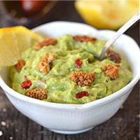 Guacamole di avocado e more di gelso