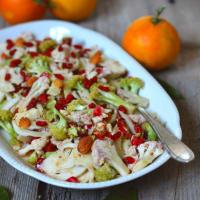 Ensalada de coliflor, brócoli y las bayas de Goji