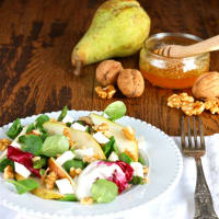 pear salad, walnuts and asparagus