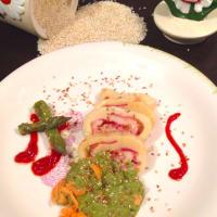 Rotolo di gnocchi su crema di asparagi