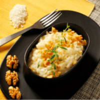 Risotto con queso y frutos secos