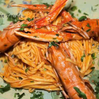 Tagliolini with fresh scampi