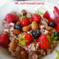 Porridge oats with strawberries
