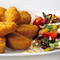 picaduras de pollo con salsa sabrosa