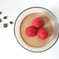 Mousse de chocolate vegetariana con sabor a café