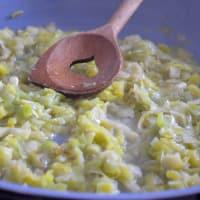 Conchas con crema de almendras y con sabor a limón puerro paso 2