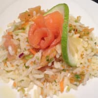 Ensalada de arroz con salmón
