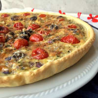 Quiche with Tropea onion, Gaeta olives and plum