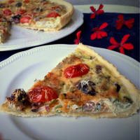 Quiche with Tropea onion, Gaeta olives and plum step 8