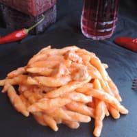 Fusilli con salsa de crema y salchichas paso 1